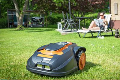 Roboty koszące do trawy